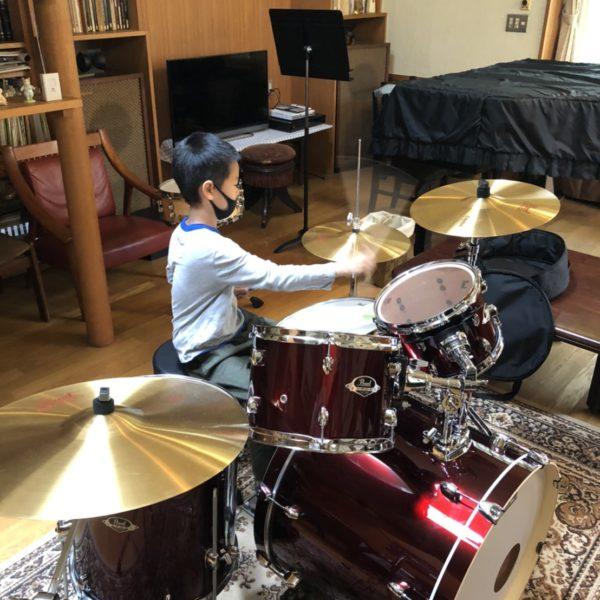 【細田銀爾 マリンバ、打楽器講師】教室にドラムセット!